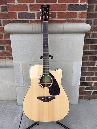 Yamaha FGX820C Acoustic/Electric