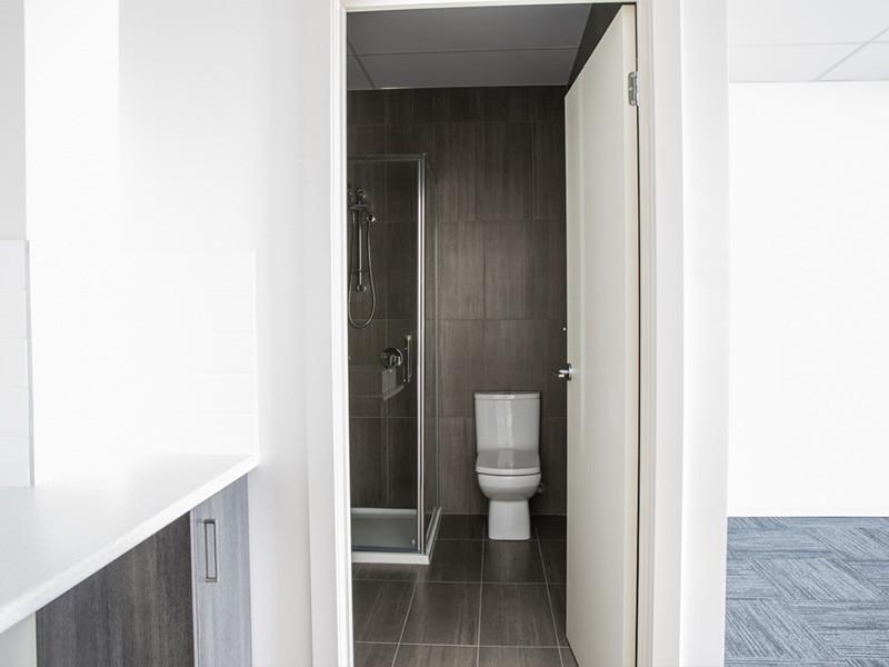 55 Willandra - Bathroom