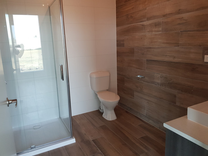 57 Willandra - Bathroom