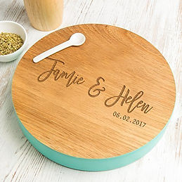 personalised serving board, personalised wedding cooking gifts, personalised wedding kitchen gifts, personalised mr and mrs cooking gifts, engraved wedding kitchen gifts, engraved chopping boards for wedding, engraved kitchen wedding gifts, home baking