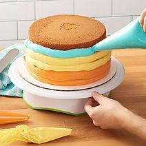 wilton trim n turn cake decorating turntable, gifts for cake decorators