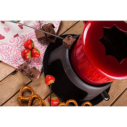 fondue sets, cheese fondue sets, chocolate fondue sets, best fondues, best fondue sets, popular fondue sets, cheap fondue sets, fondue fork, enamel fondues, home baking gifts, gifts for bakers, baking gifts, baking presents