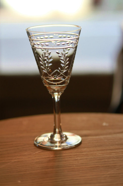 GLASS  S  FRISE LAURIERS