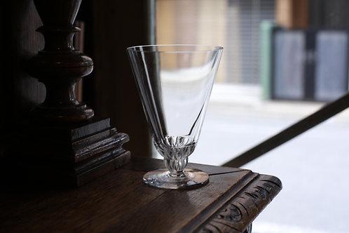 LALIQUE WINE  GLASS  L  CHAMPIGNY