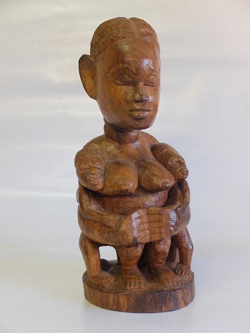 Statua maternità dalla Guinea Bissau