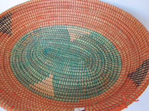 Cestino centrotavola in paglia colorato