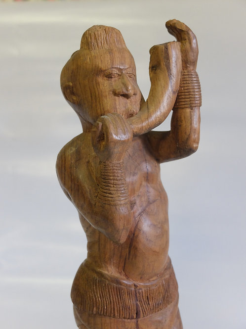 Statua musicista dalla Guinea Bissau