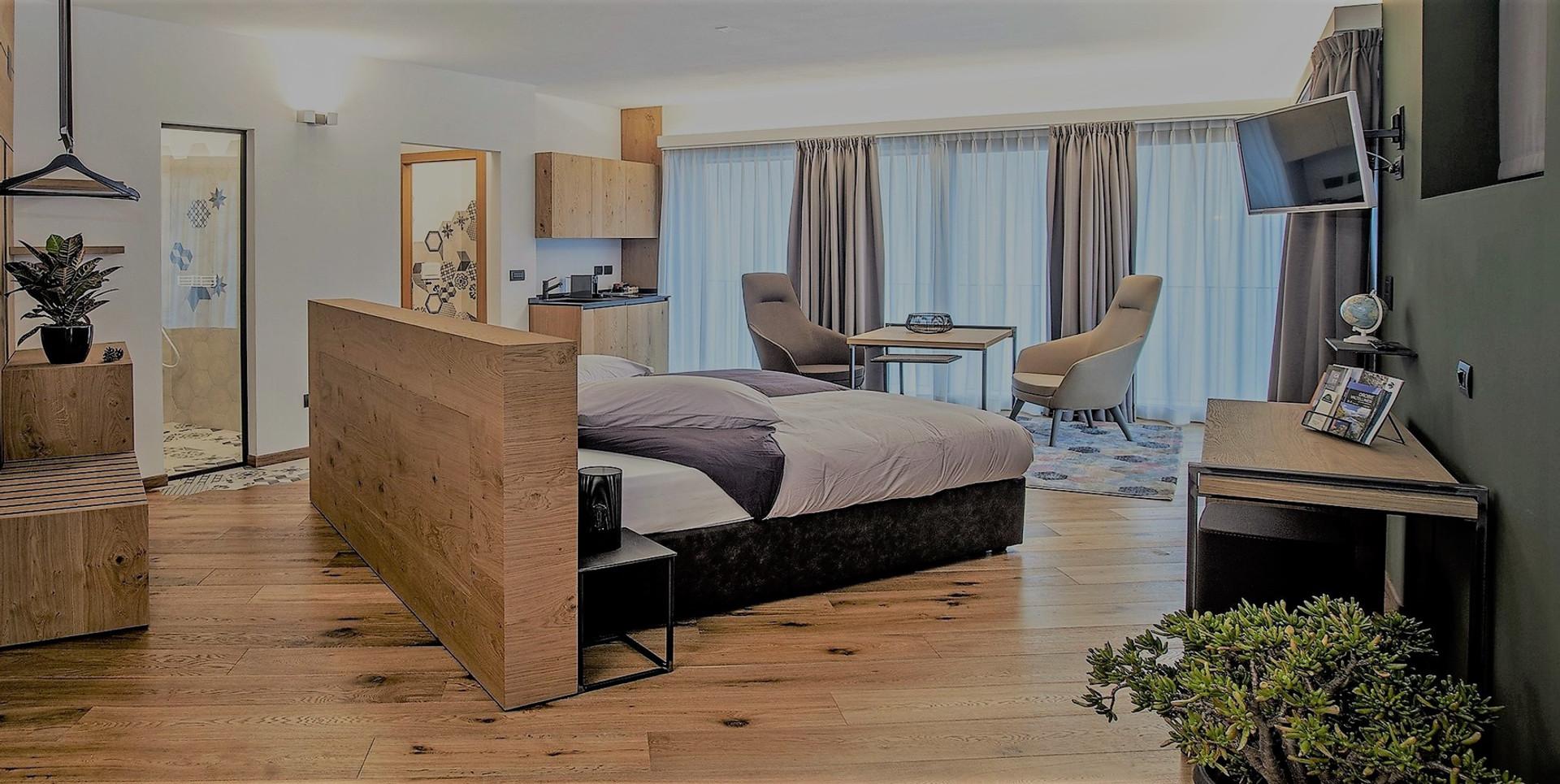 637085452217654475_suite-hotel-arredo-fu