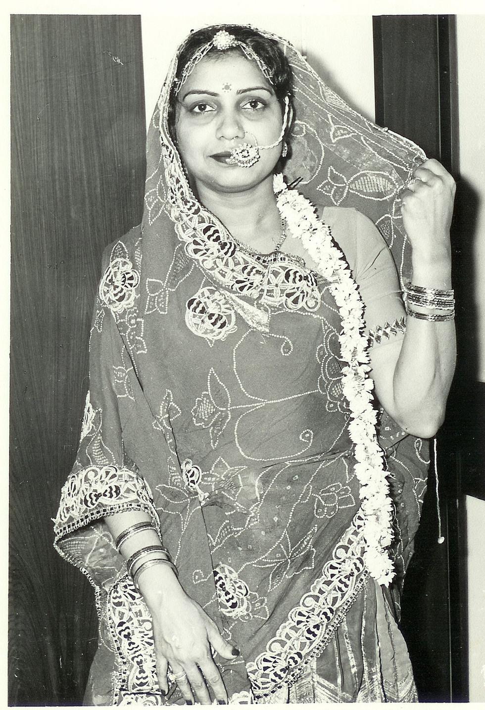 Sumitra Shroff as Rajasthani Bahurani