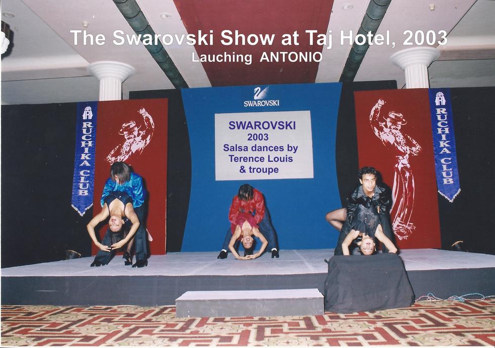 5. Swarovski Show 2003.png