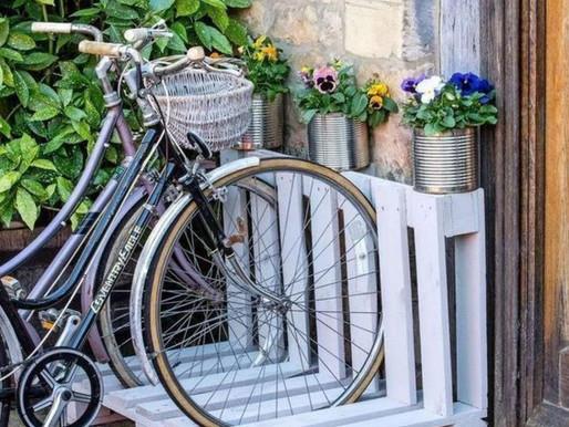 Des supports à vélo en bois de palettes !