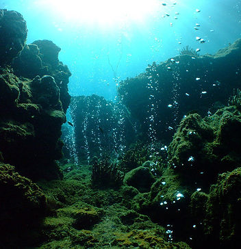 Ozeanboden_aufsteigende_Blasen.jpg