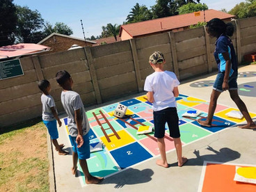 Playground Games - Snakes & Ladders