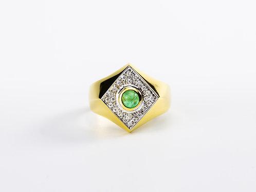 Emerald Akka Ring