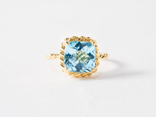 Blue Topaz Liana Ring in 18k yellow gold