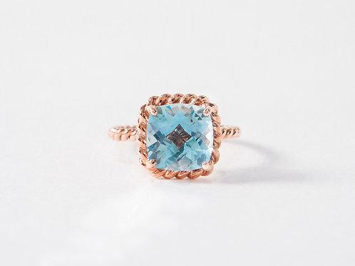 Blue Topaz Liana Ring in 18k rose gold