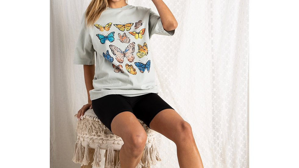 OVERSIZED VINTAGE BUTTERFLY GRAPHIC TEE
