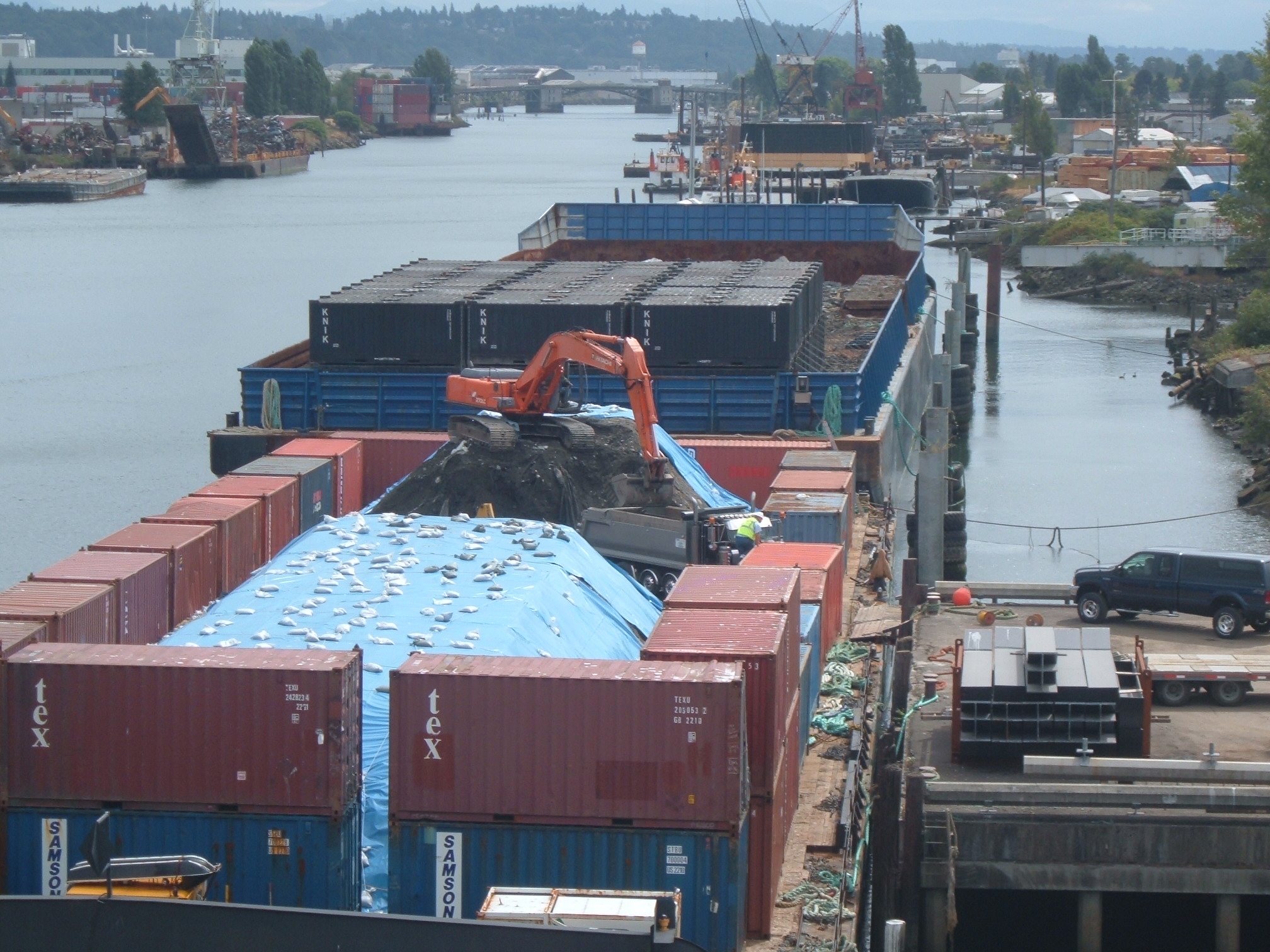 Bulk Barge with Container Walls