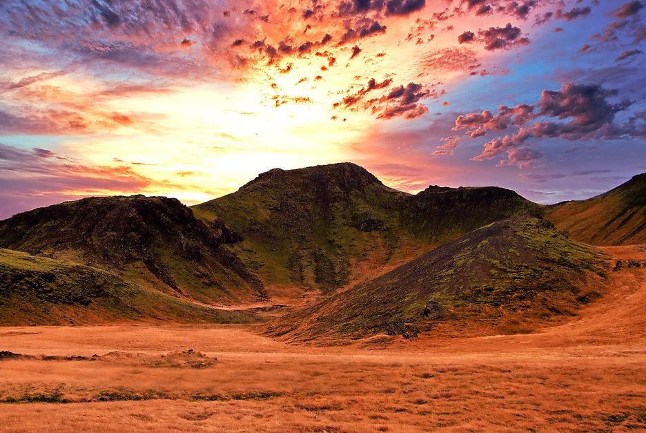 Mountain_telefone_posts62.jpg