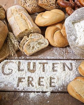 Mehl auf Tisch Glutenfreies Brot und Lebensmittel wie bei Drogerie im Schwamedingerhuus Zürich