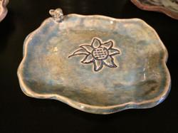 morning dove/sunflower soap dish