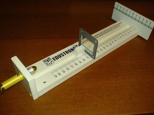 Прибор для измерения длины волны света с набором  дифракционных решеток