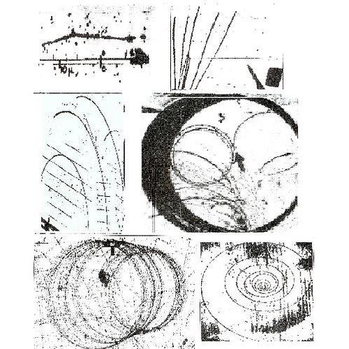 Комплект фотографий треков частиц