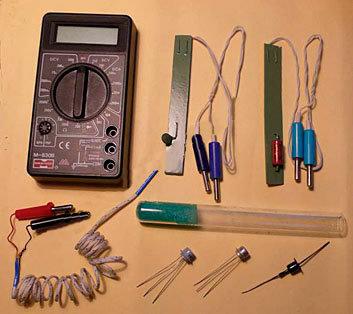 Набор «Физика 10» с цифровым мультиметром