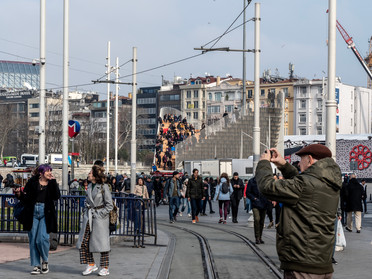 "Meeting Point ""Kavusma Duragı"" I Istanbul, Turkey"