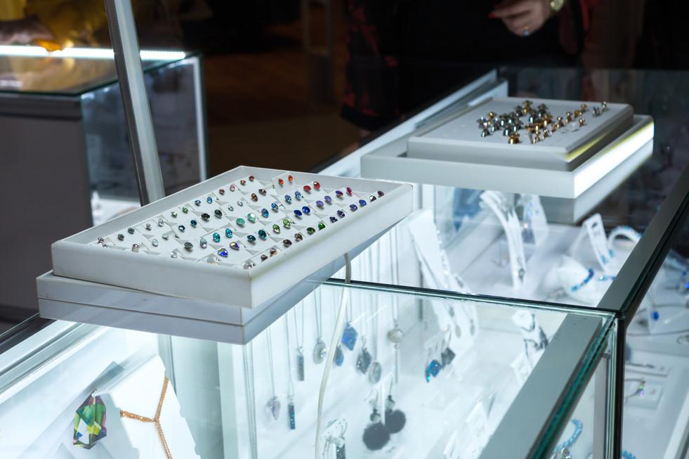 Berns Kecskemét - Swarovski Crystals for You boltnyitás a Malom központban