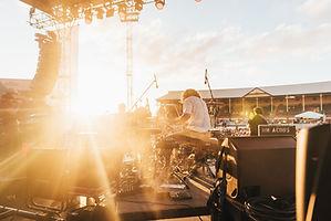昼間の屋上コンサート
