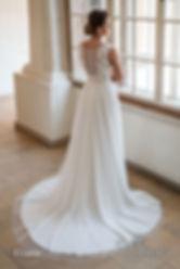 suknia ślubna zakryte plecy koronkowa