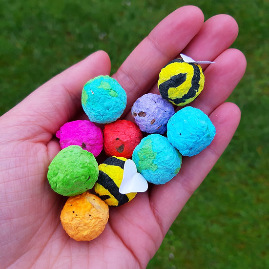 8 Rainbow Bombs, 2 Bee Bombs, Cotton Bag And Instructions