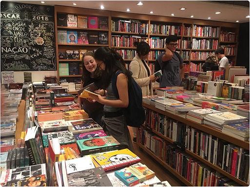 O espaço das livrarias independentes: como é fugir do cenário convencional