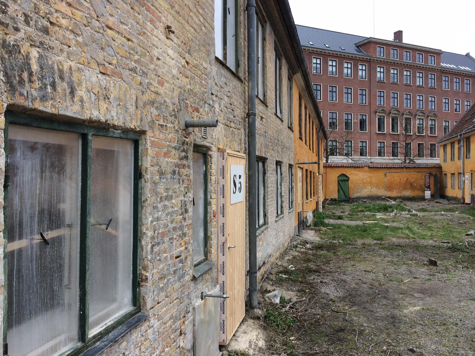 Damprør_i_facaden_mod_gården_1.JPG