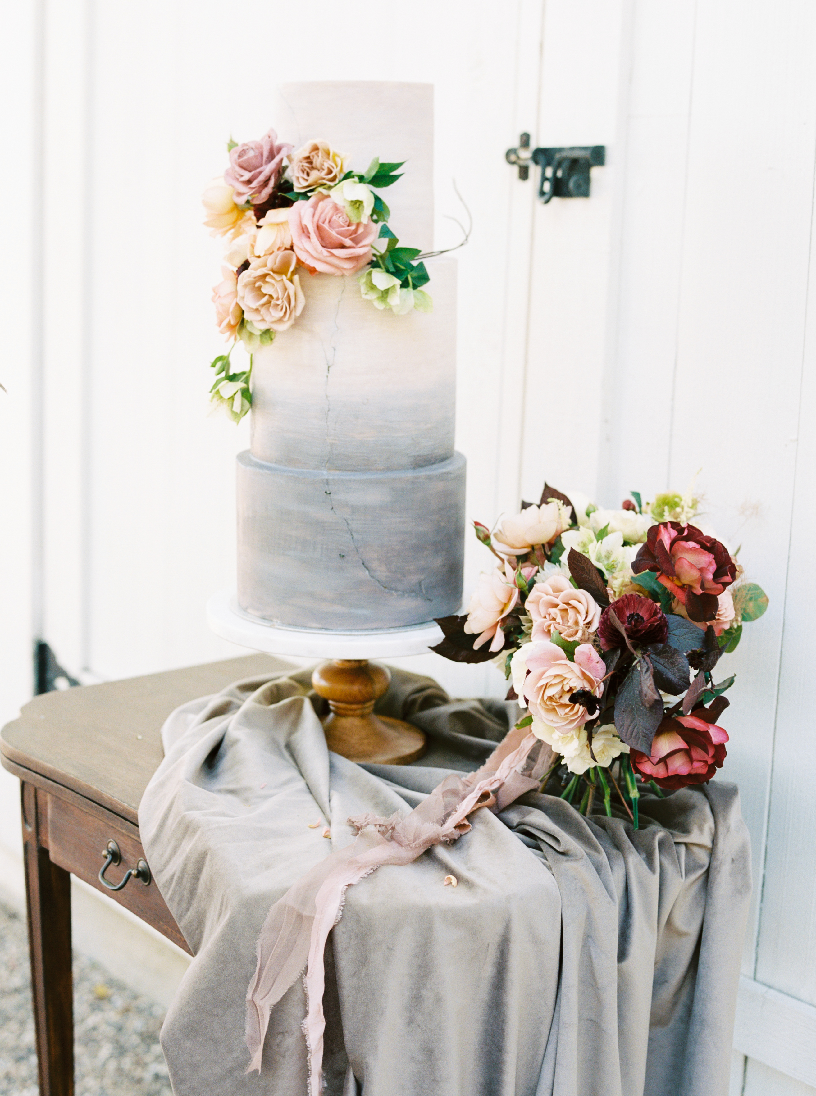 HammerskyWineryWeddingInspiration-JenRod