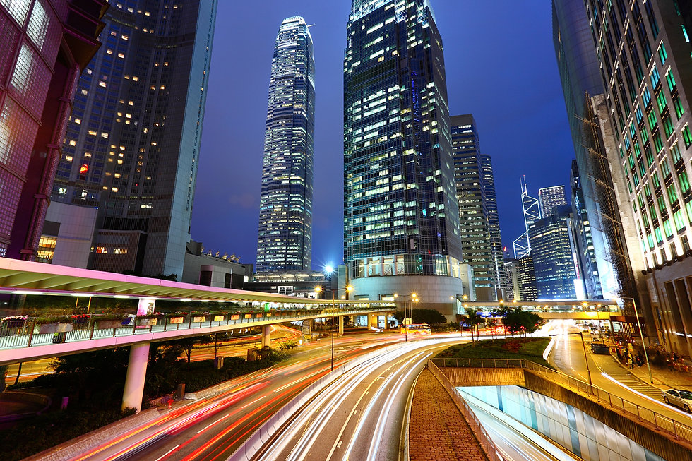 traffic-and-urban-at-night-CQXYFXG.jpg