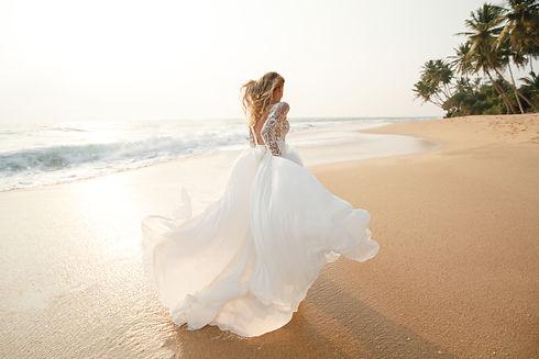 beach bride.jpg
