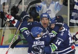 Dinamo Hockey Moscow Ovechkin Anisin.jpg