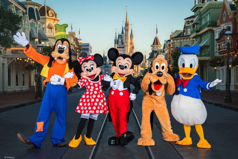 Goofy, Minnie, Mickey, Pluto and Donald