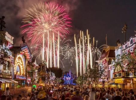 Disney Parks After Dark: 'Disneyland Forever' Fireworks at Disneyland Park