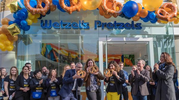Wetzel's Pretzels Downtown Disney at Disneyland