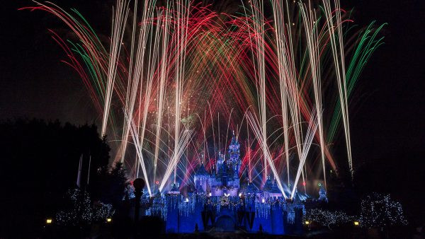 """Believe...in Holiday Magic"" Fireworks Spectacular in Disneyland Park"