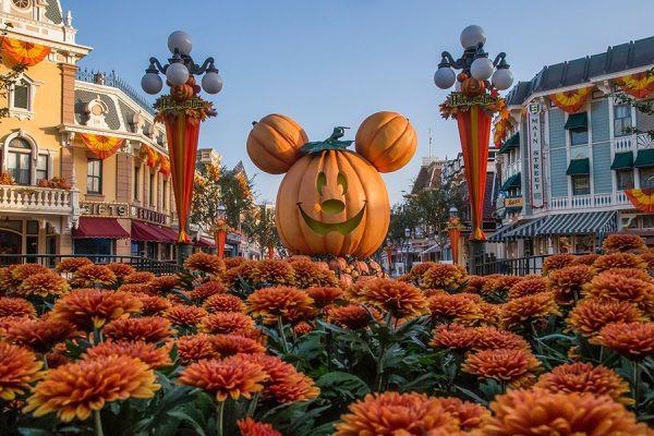 Autumn at Disneyland Main Street