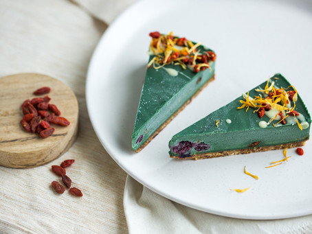 Spirulina and Goji cake recipe