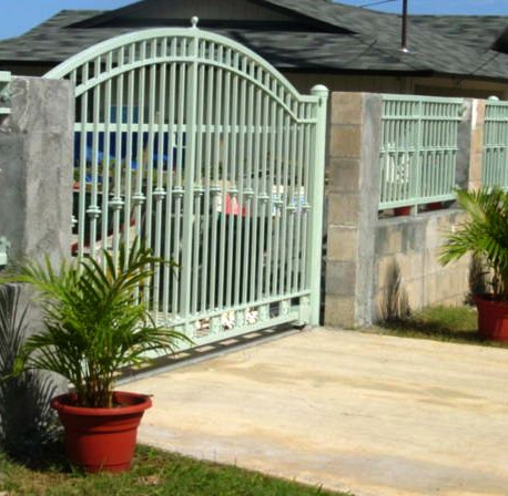Automated galvanized driveway gates and fencing
