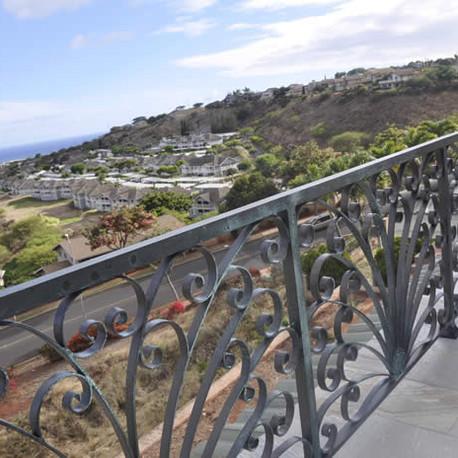 Aluminum railing with custom scrollwork