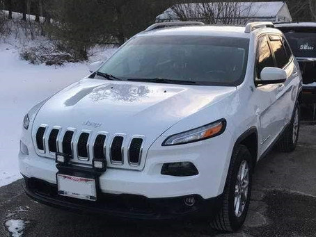 Jeep Cherokee Latitude with 2 front pod lights