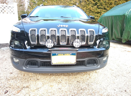 Jeep Cherokee KL Latitude with PIAA pod lights