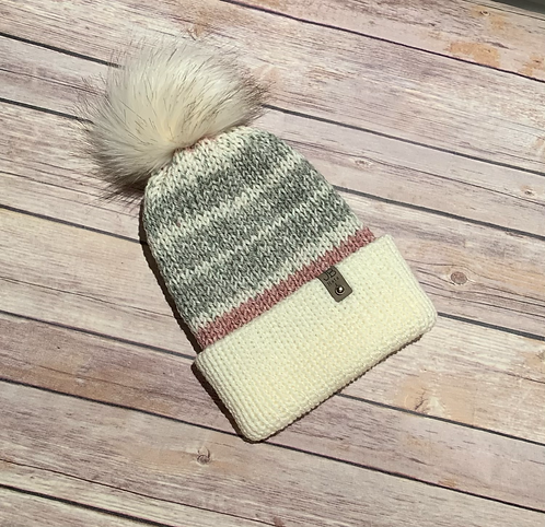 Age  4 - 10 years Double bbrim bobble hat with faux fur pompom